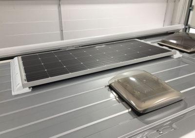 105Wp_Solar_auf_Kastenwagen